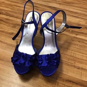 Fioni blue heel
